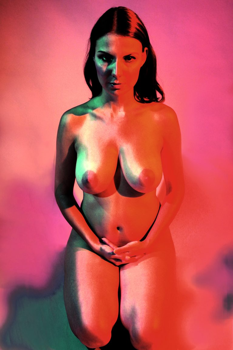 Nudes_075